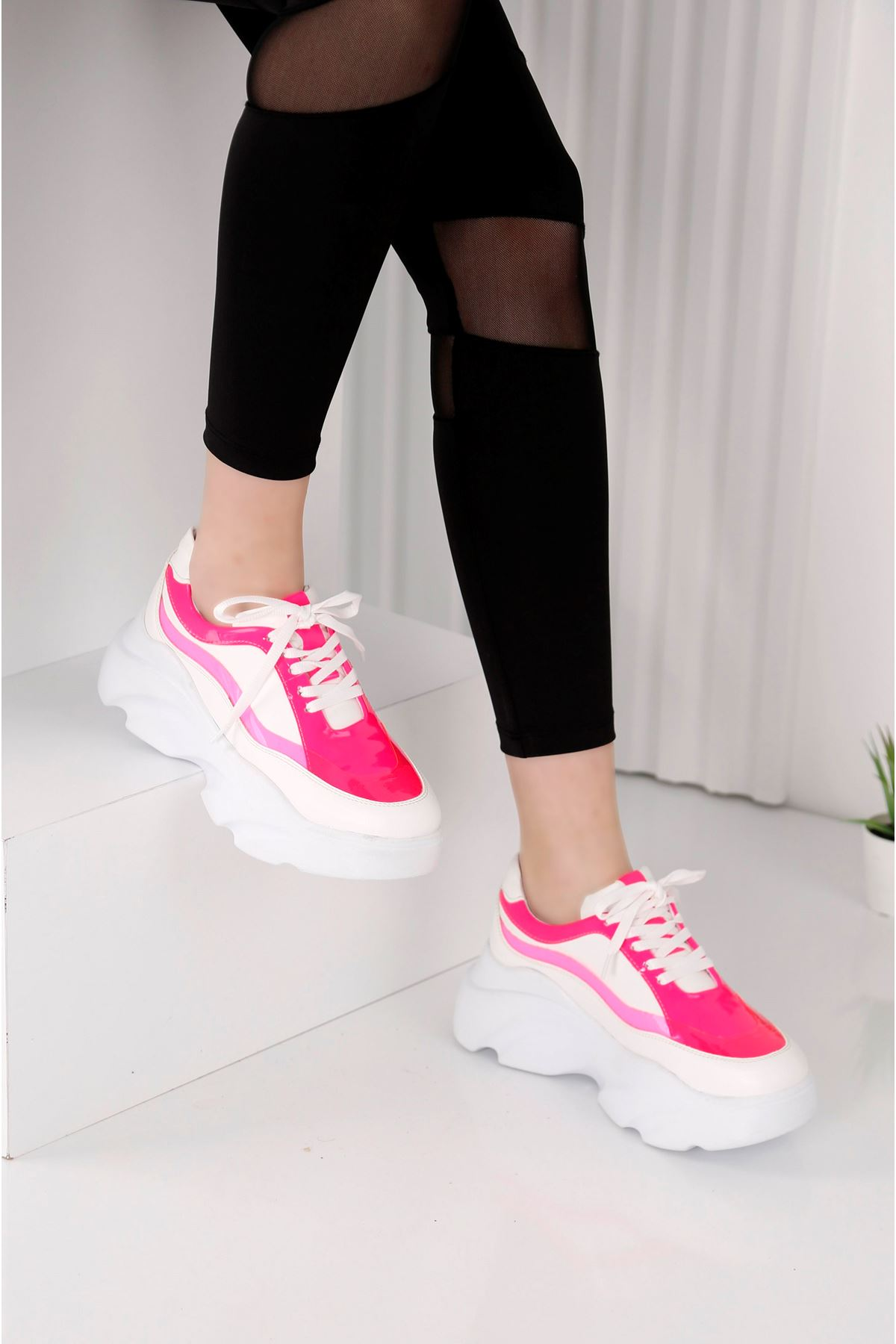 Wind 3809 - Kadın Beyaz Fuşya Spor Ayakkabı