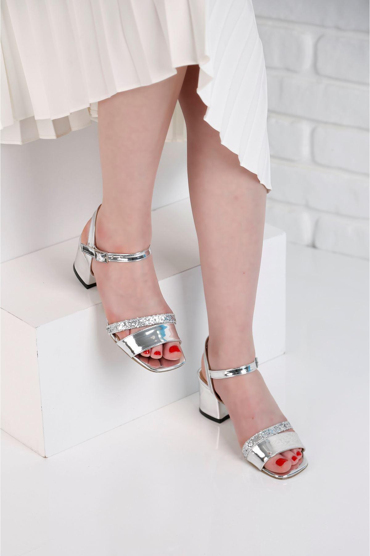 Flower Topuklu Gümüş Ayakkabı