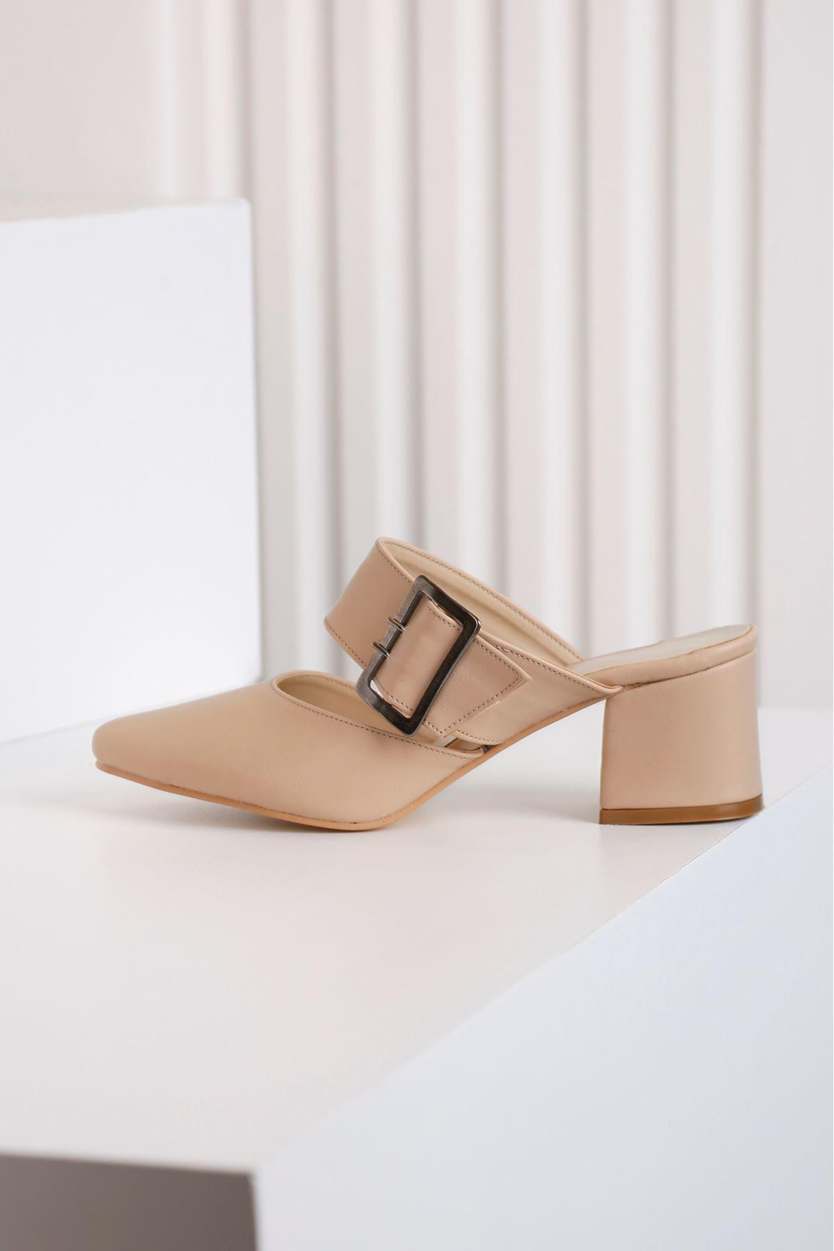 Elegant Kadın Topuklu Krem Terlik