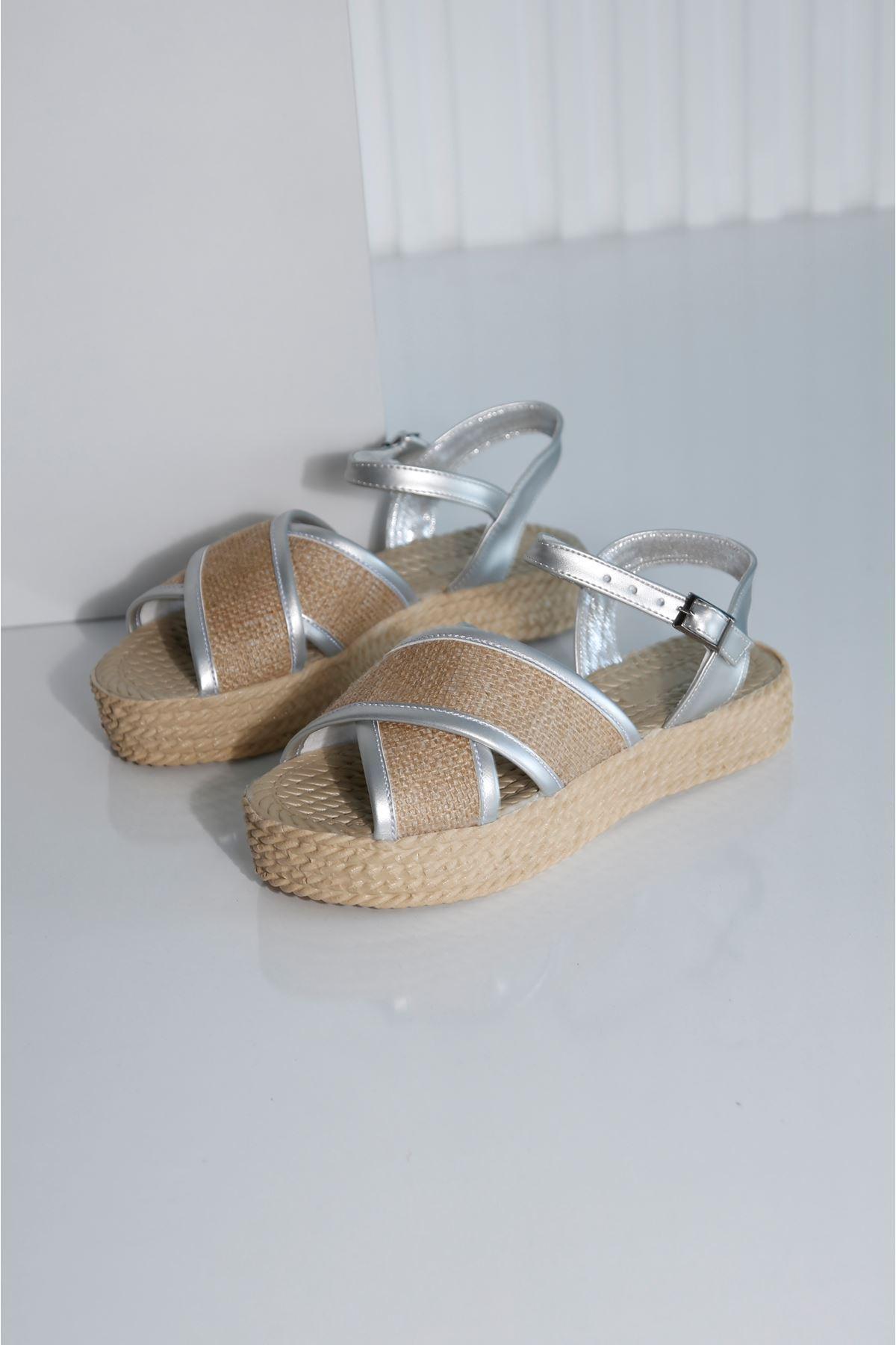 Croce-B Kadın Gümüş Hasır Sandalet