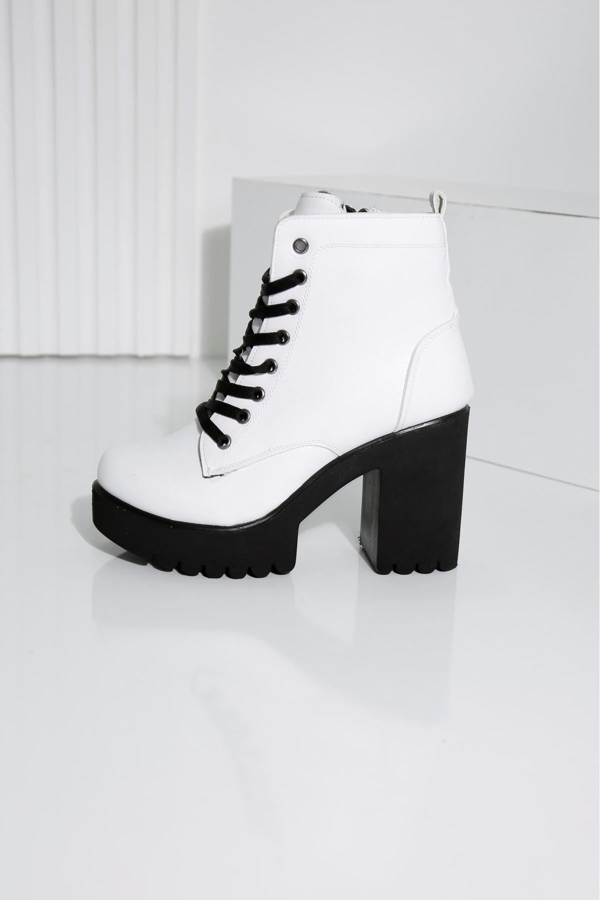 MOOİ Beyaz Topuklu Kadın Bot