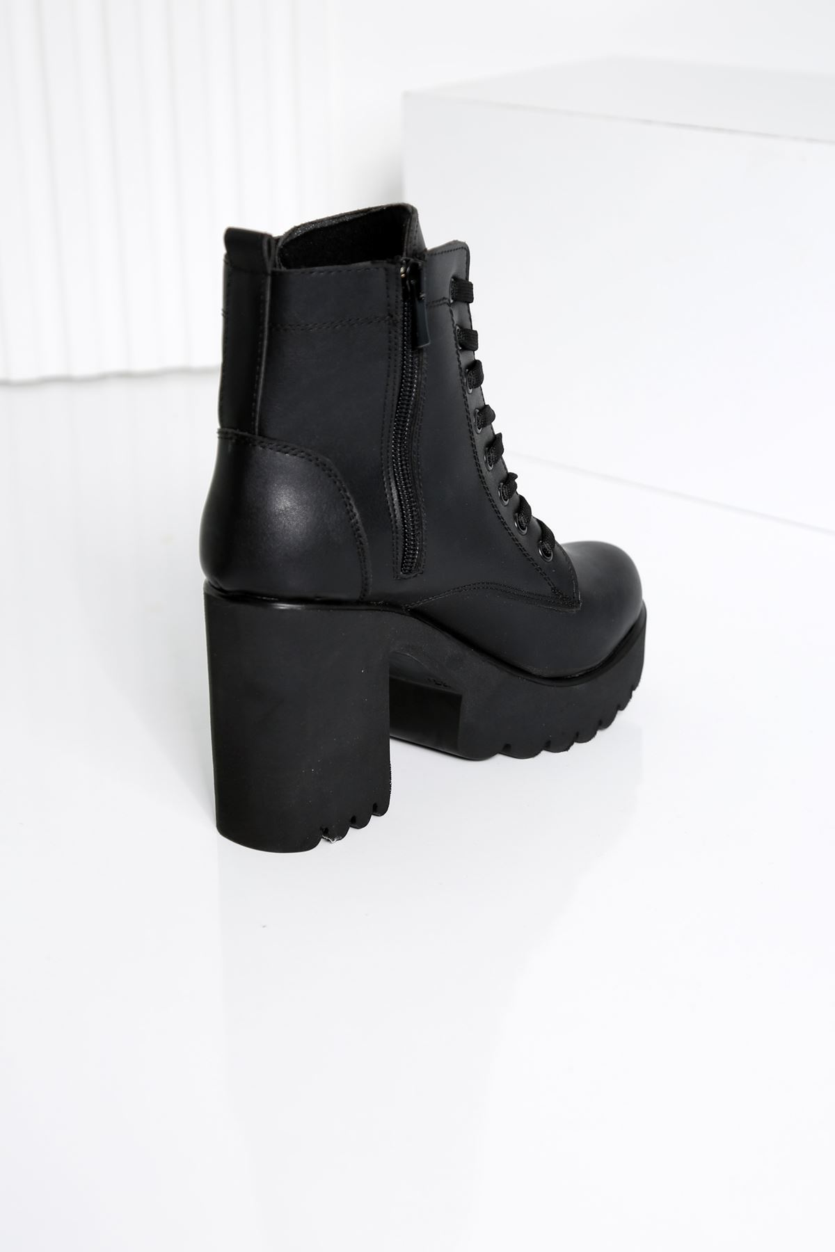 MOOİ Siyah Topuklu Kadın Bot