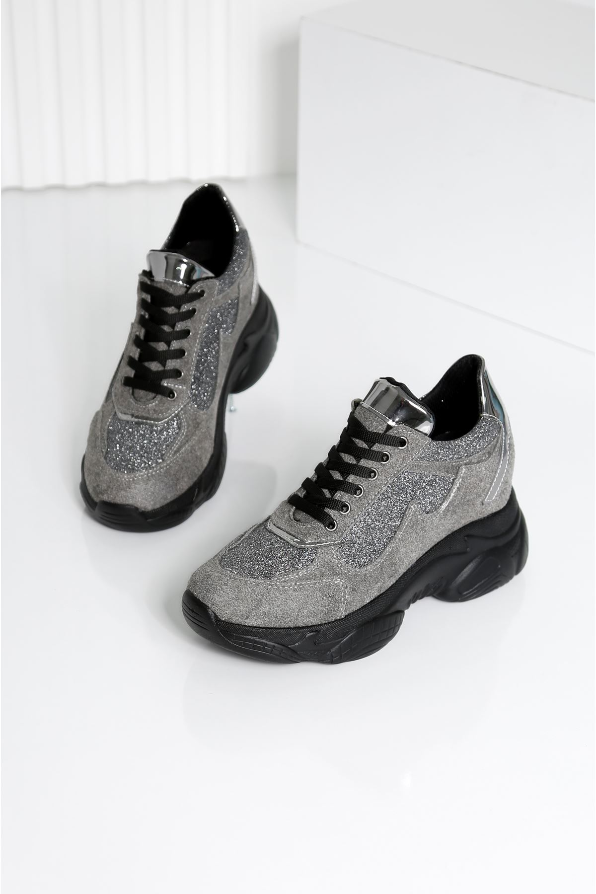 GEEST Gri Kadın Spor Ayakkabı